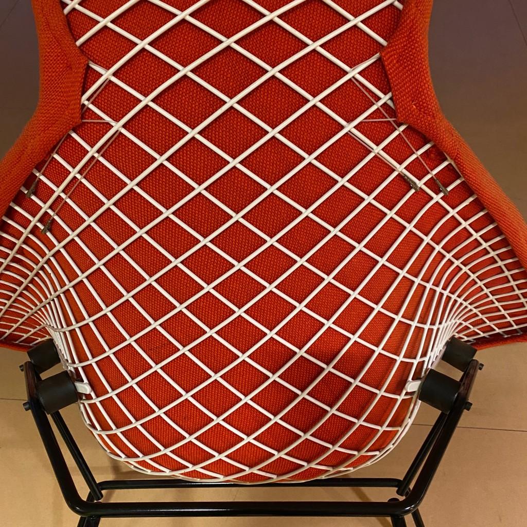 Armlehnsessel und Ottoman 'Bird Chair 423 und 424', Harry Bertoia 1950er Jahre